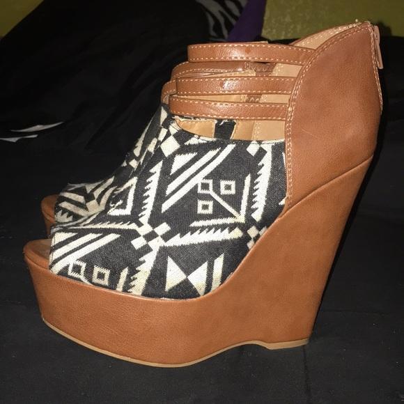 JOURNEYS Shoes   Womens Wedges   Poshmark